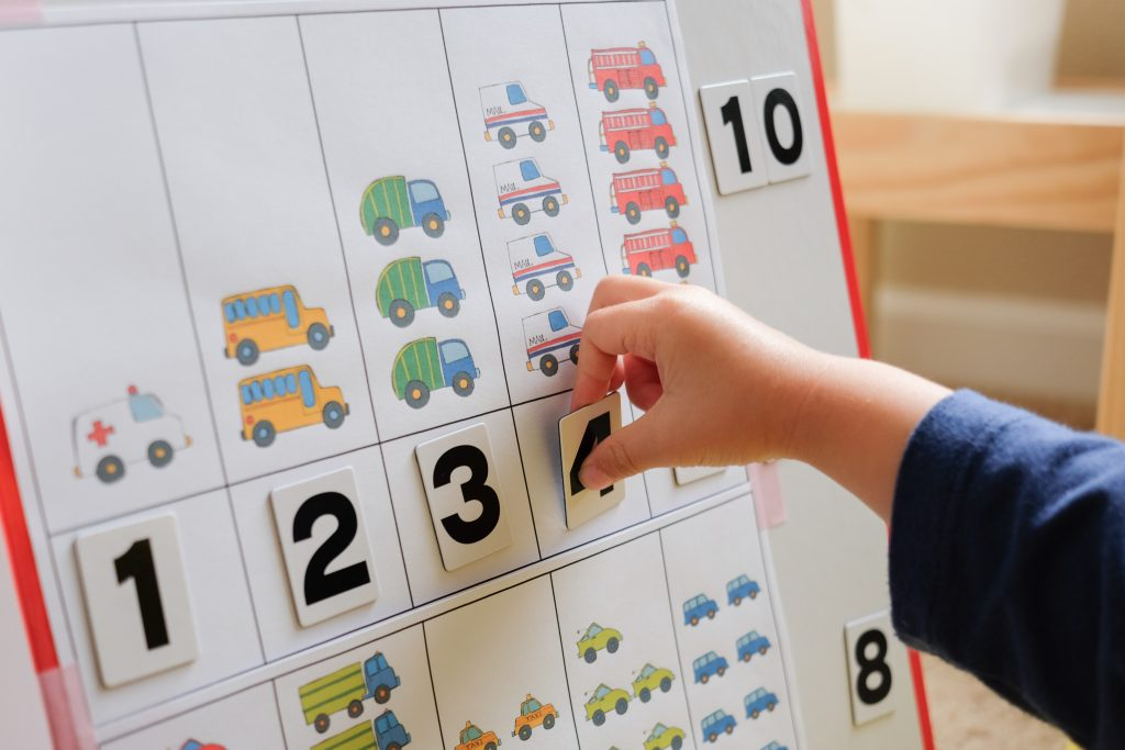Cars counting learning activity